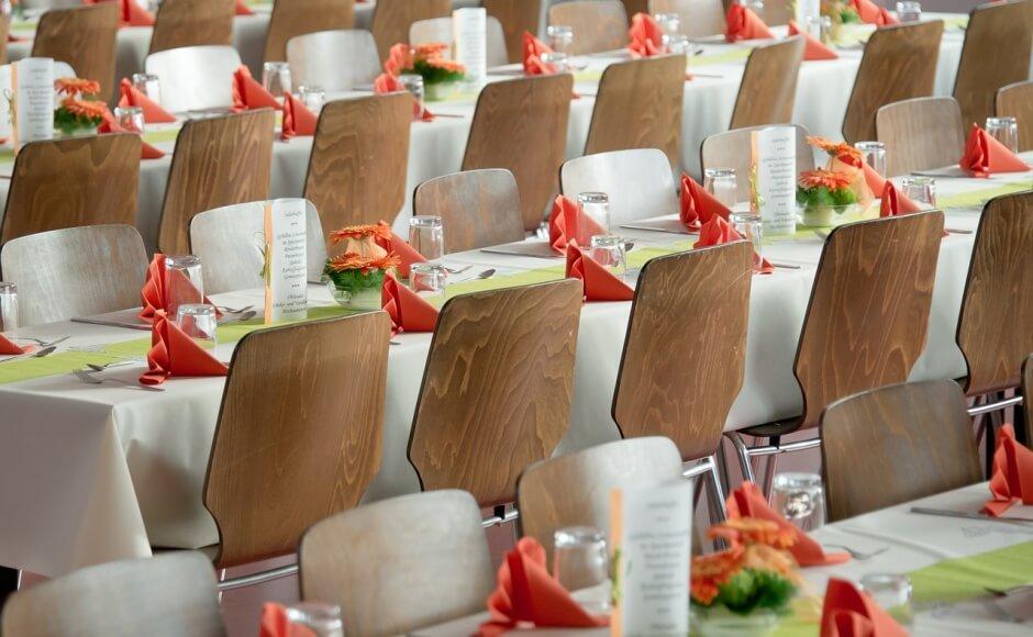 Jak posadzić gości podczas wesela?